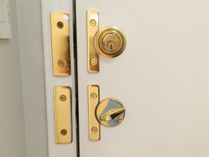 residential-lock-inside
