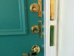 residential-lock-outside